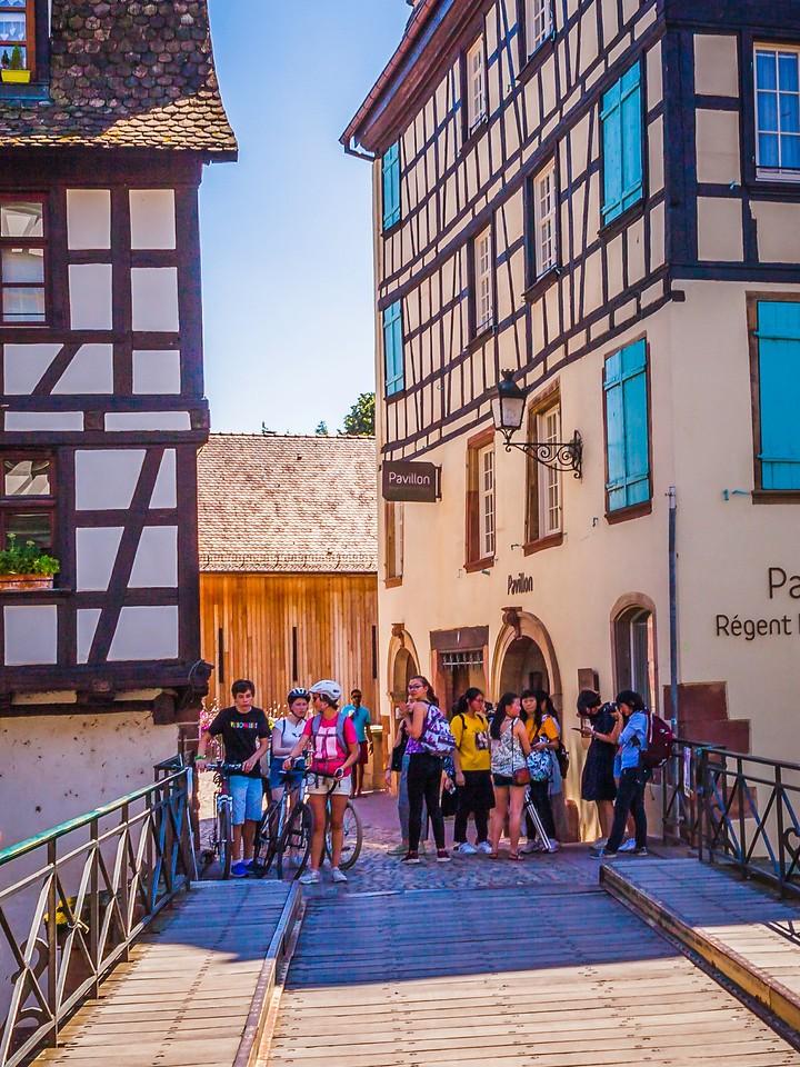 法国斯特拉斯堡(Strasbourg),街上的人气_图1-9