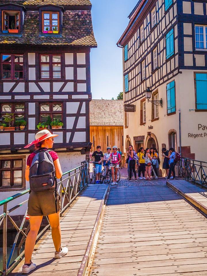 法国斯特拉斯堡(Strasbourg),街上的人气_图1-10