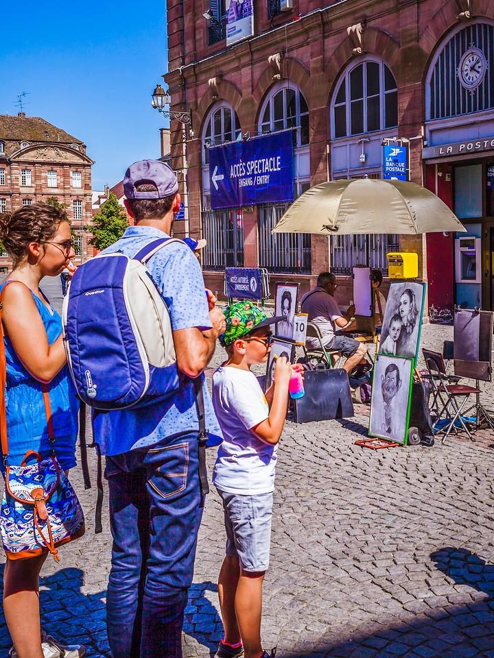 法国斯特拉斯堡(Strasbourg),街上的人气_图1-8