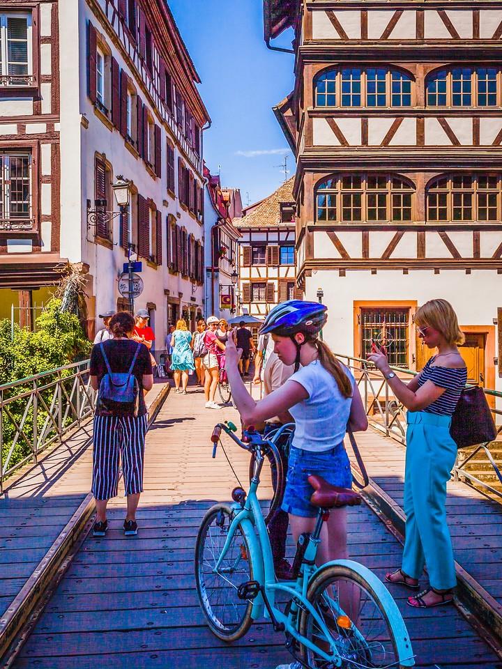 法国斯特拉斯堡(Strasbourg),街上的人气_图1-14