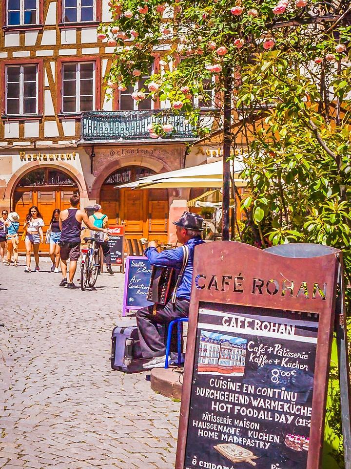 法国斯特拉斯堡(Strasbourg),街上的人气_图1-15