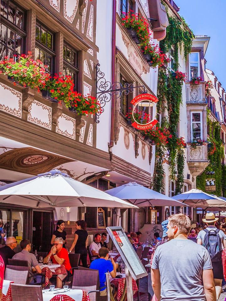 法国斯特拉斯堡(Strasbourg),街上的人气_图1-22