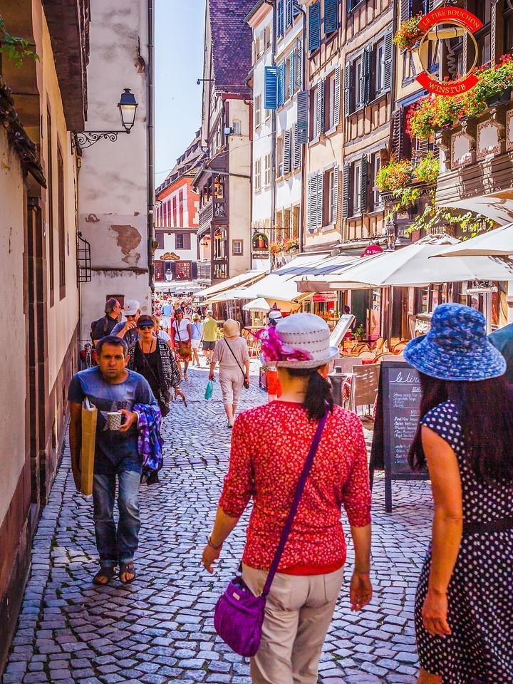 法国斯特拉斯堡(Strasbourg),街上的人气_图1-28