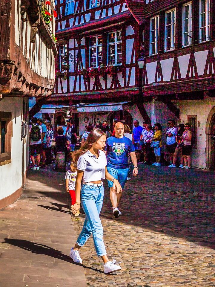 法国斯特拉斯堡(Strasbourg),街上的人气_图1-24