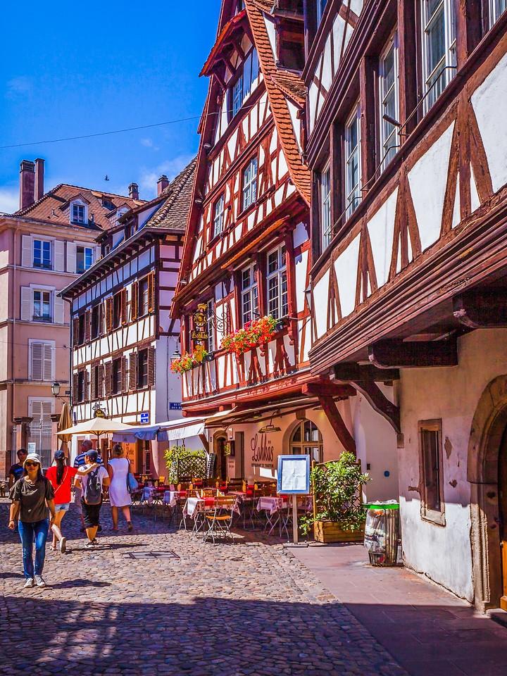 法国斯特拉斯堡(Strasbourg),街上的人气_图1-25