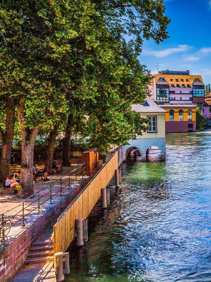 法国斯特拉斯堡(Strasbourg),街上的人气_图1-30