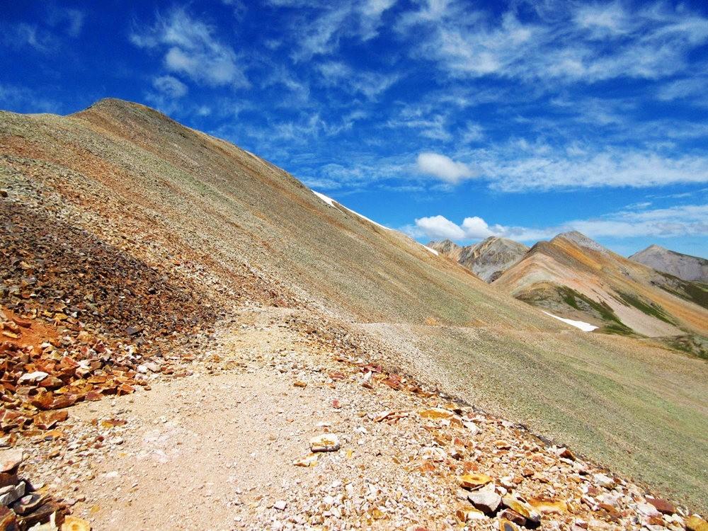奥斯卡峰的碎石_图1-22