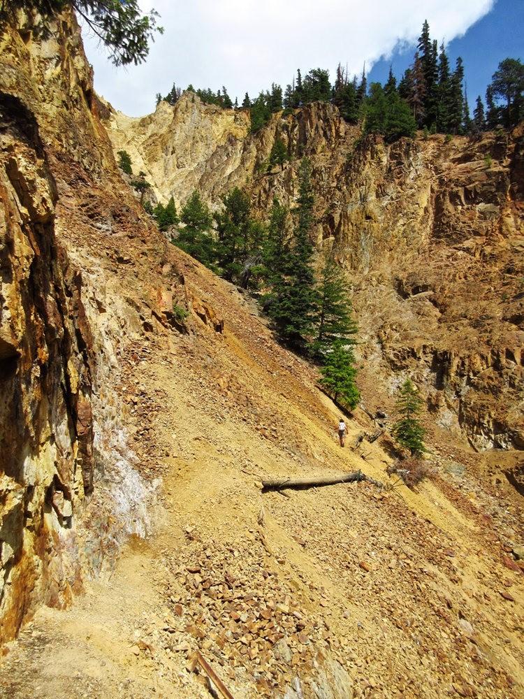 奥斯卡峰的碎石_图1-30