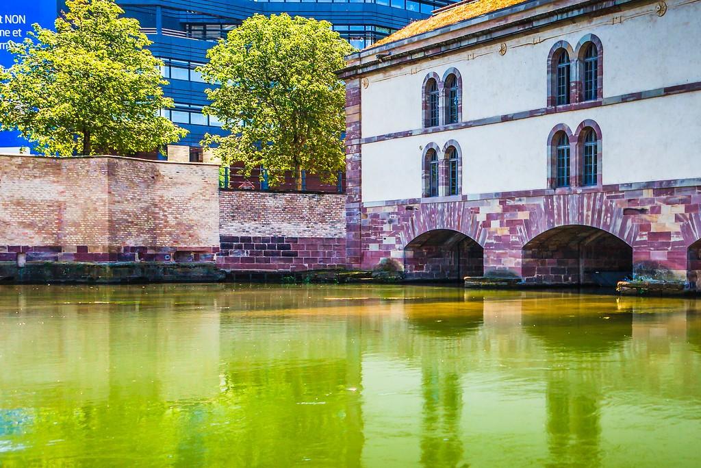 法国斯特拉斯堡(Strasbourg),老城老建筑_图1-2