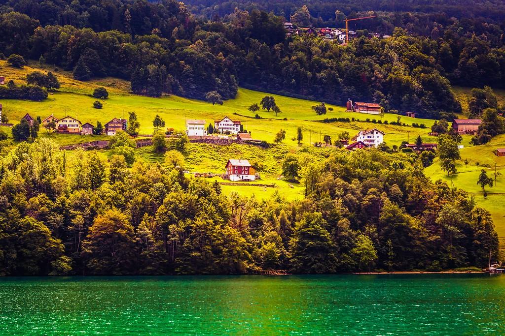 瑞士卢塞恩(Lucerne),山坡上的民居_图1-24