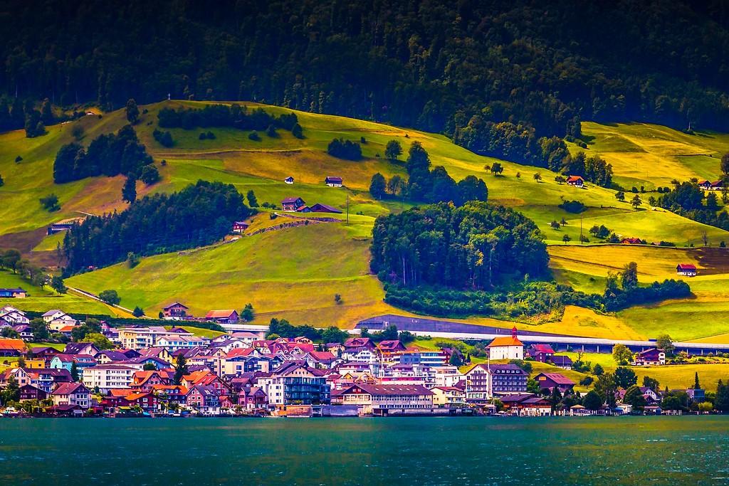 瑞士卢塞恩(Lucerne),山坡上的民居_图1-1