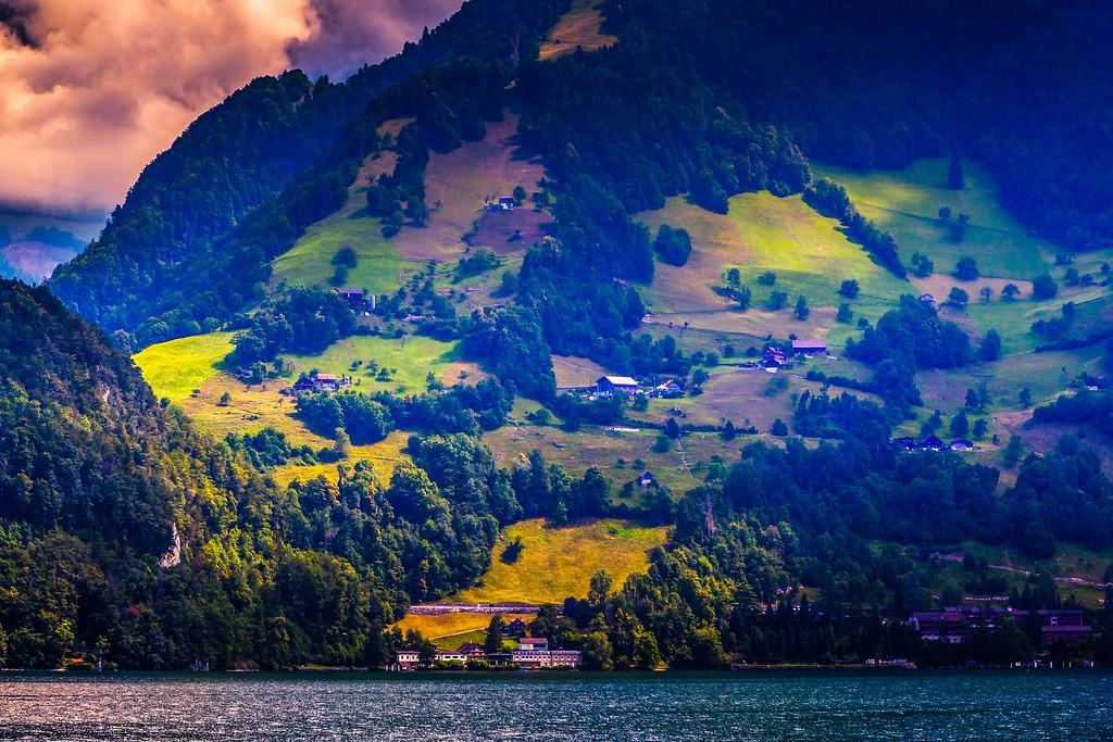 瑞士卢塞恩(Lucerne),山坡上的民居_图1-3