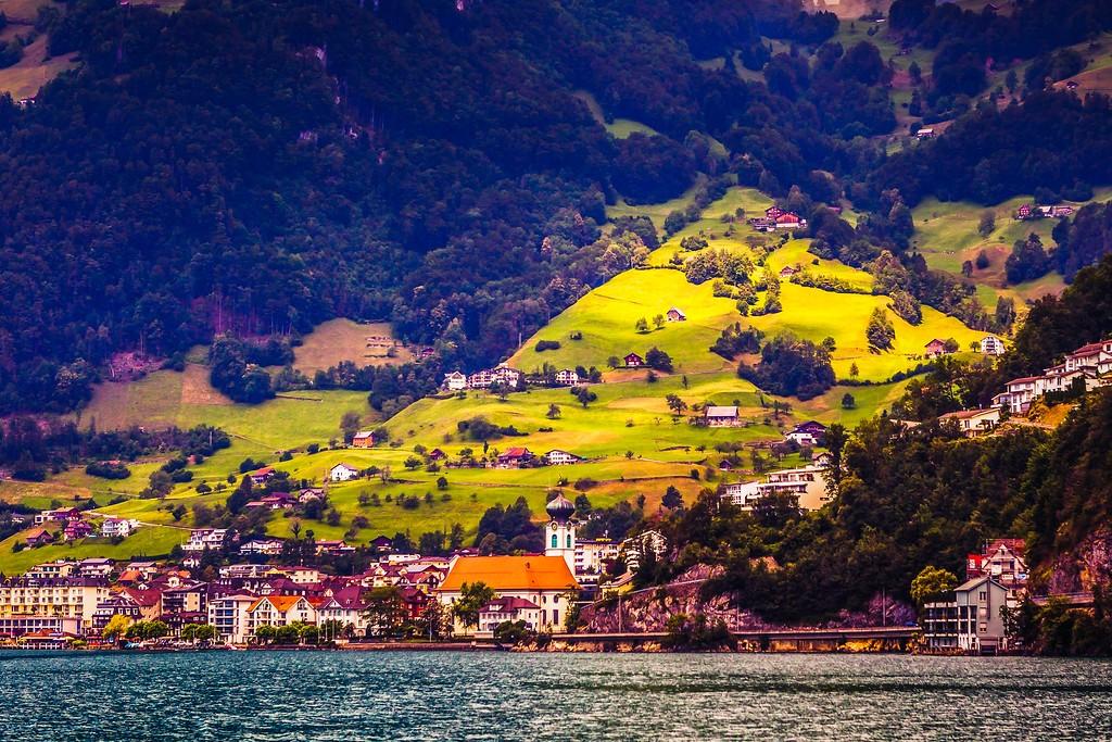 瑞士卢塞恩(Lucerne),山坡上的民居_图1-19