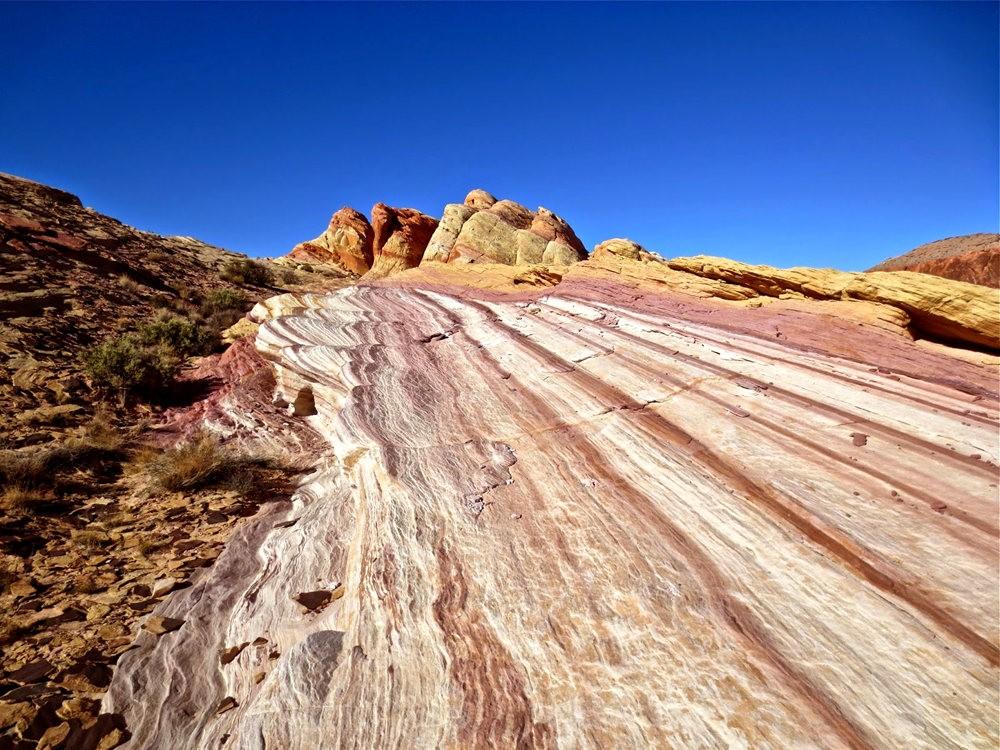火谷红岩异石_图1-1