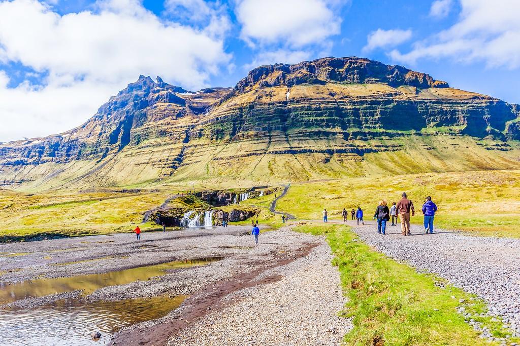 冰岛Kirkjufellsfoss,雪山瀑布_图1-28