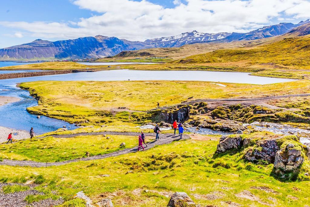 冰岛Kirkjufellsfoss,雪山瀑布_图1-21