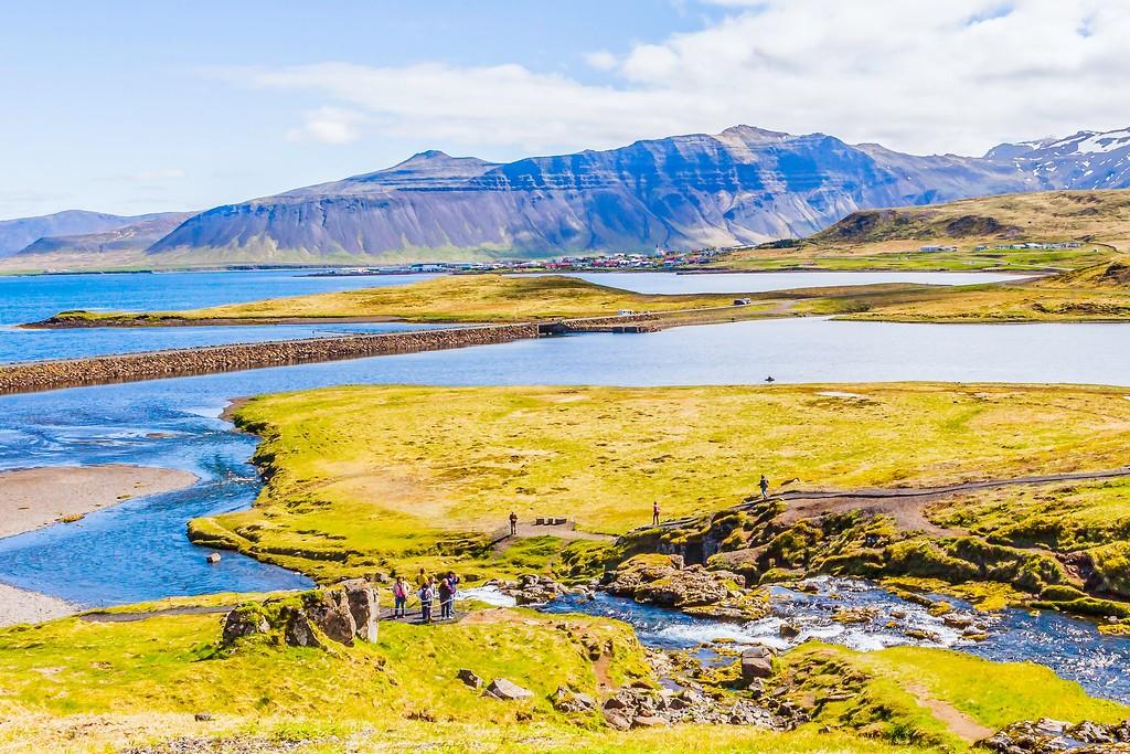 冰岛Kirkjufellsfoss,雪山瀑布_图1-25