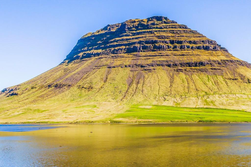 冰岛Kirkjufellsfoss,雪山瀑布_图1-22