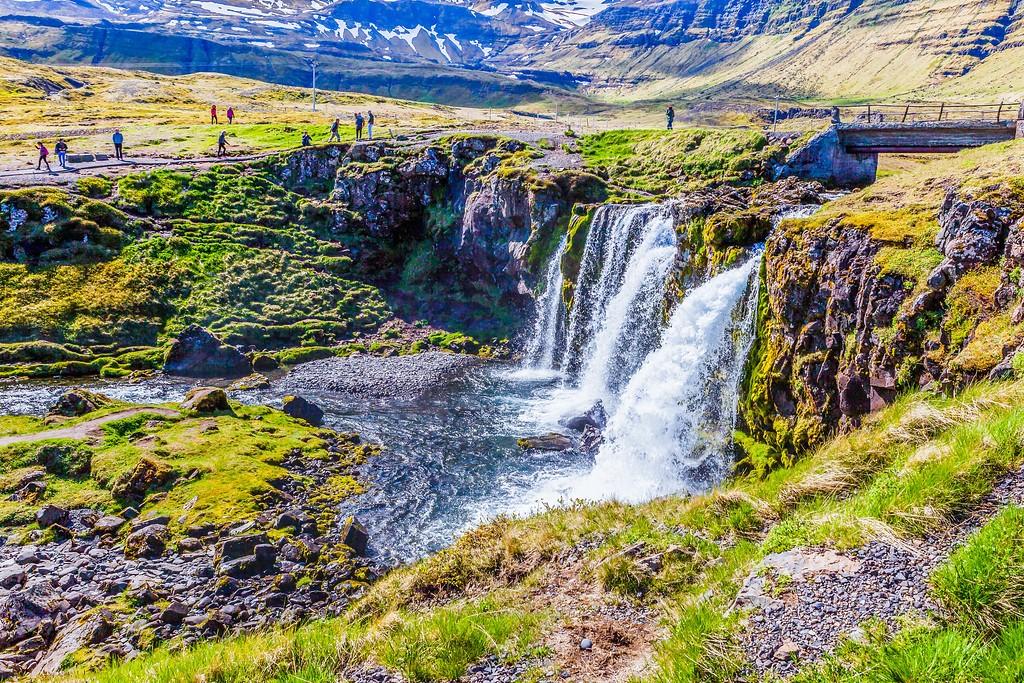 冰岛Kirkjufellsfoss,雪山瀑布_图1-24