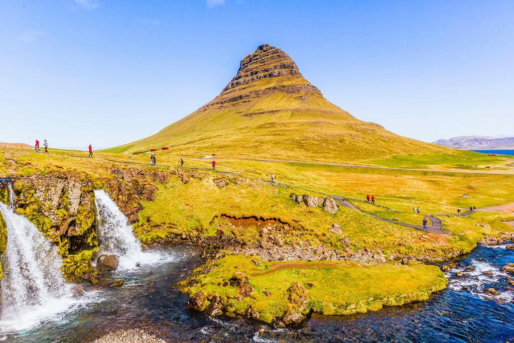 冰岛Kirkjufellsfoss,雪山瀑布_图1-20