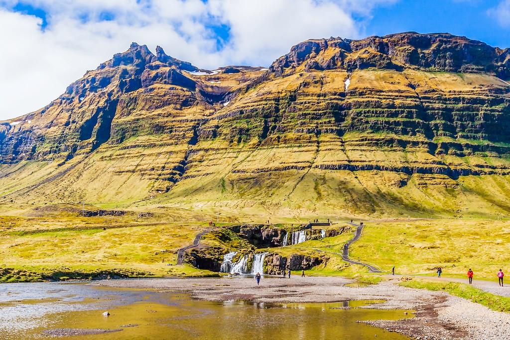 冰岛Kirkjufellsfoss,雪山瀑布_图1-10