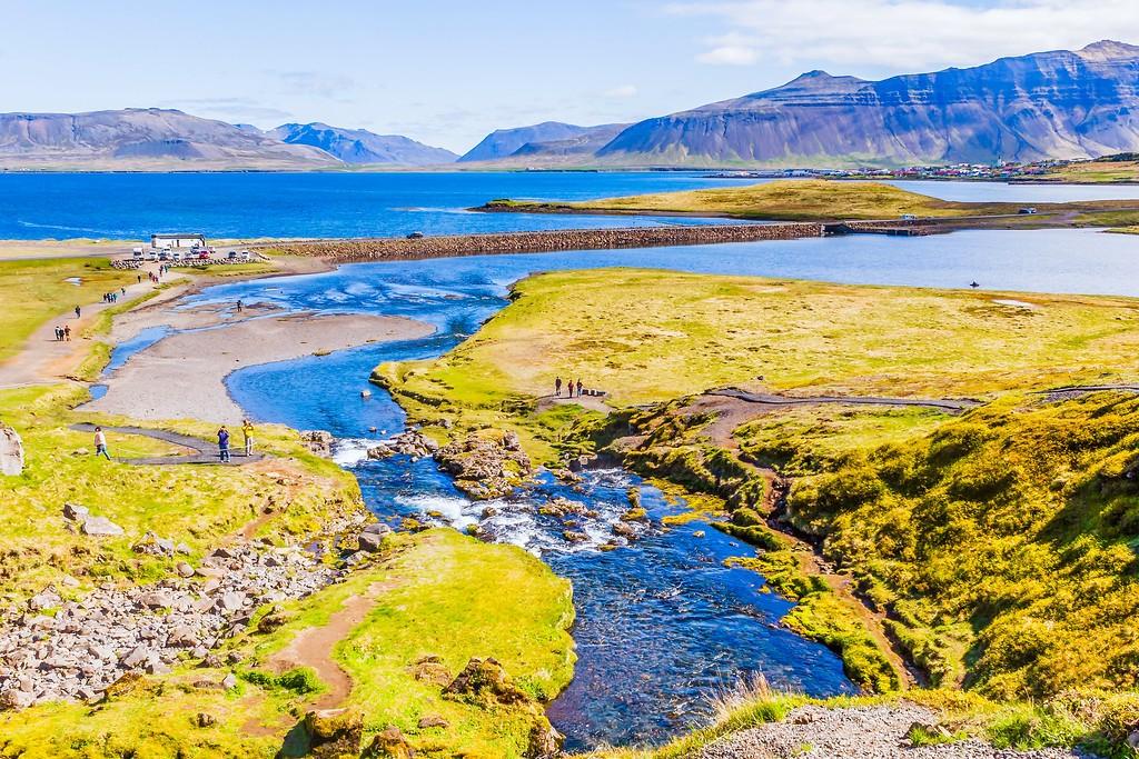 冰岛Kirkjufellsfoss,雪山瀑布_图1-9