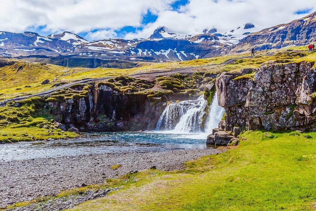 冰岛Kirkjufellsfoss,雪山瀑布_图1-1