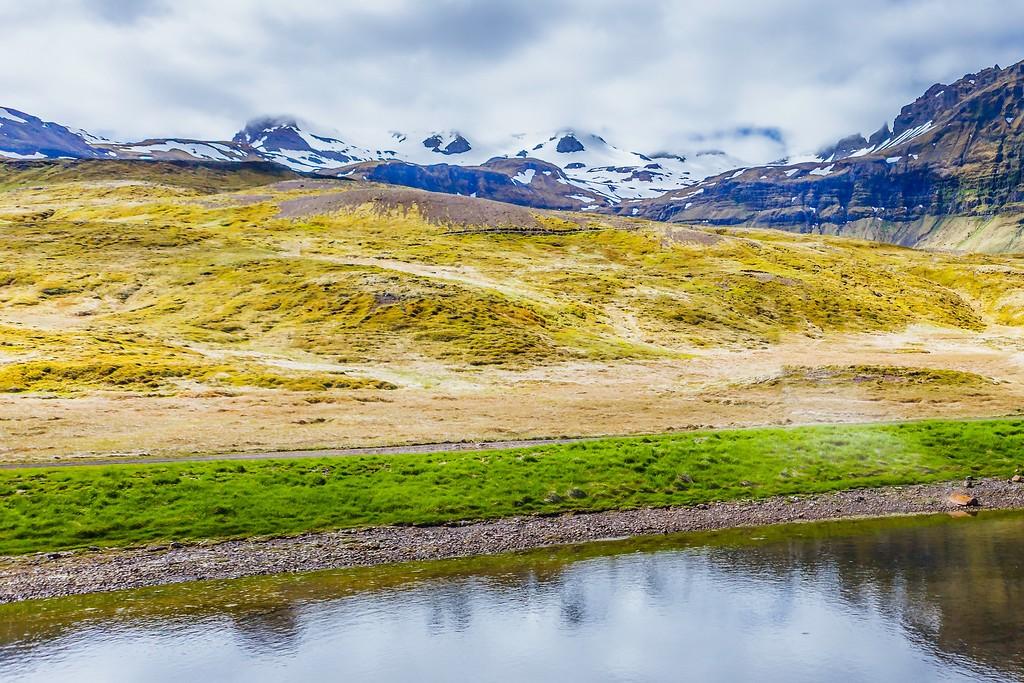 冰岛Kirkjufellsfoss,雪山瀑布_图1-3