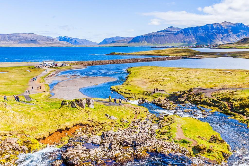 冰岛Kirkjufellsfoss,雪山瀑布_图1-4
