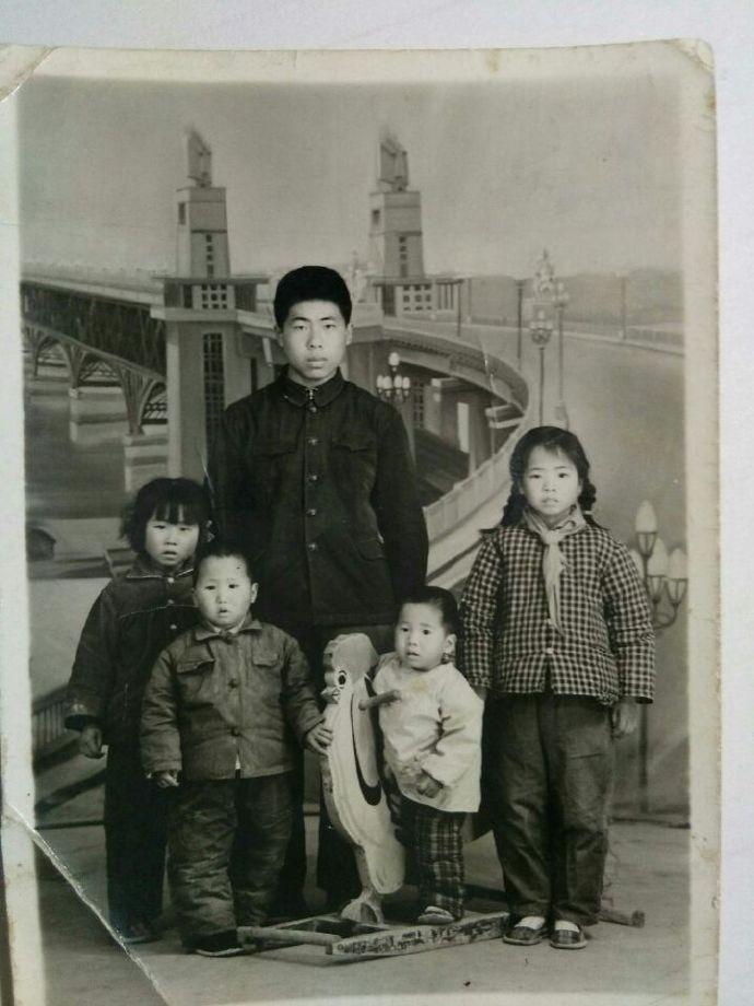 作家刘维嘉成长的足迹_图1-3