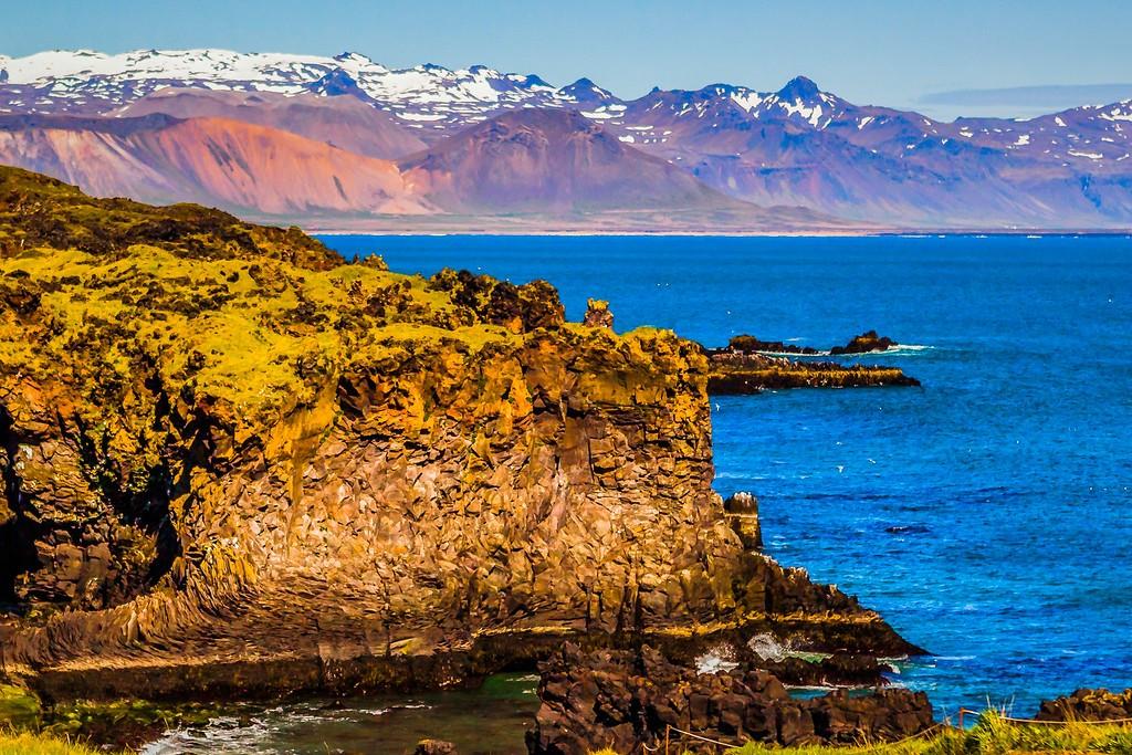 冰岛Arnarstapi,脚踏礁石_图1-10