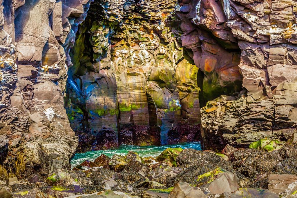 冰岛Arnarstapi,脚踏礁石_图1-3