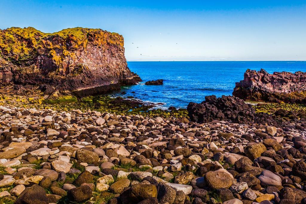 冰岛Arnarstapi,脚踏礁石_图1-13