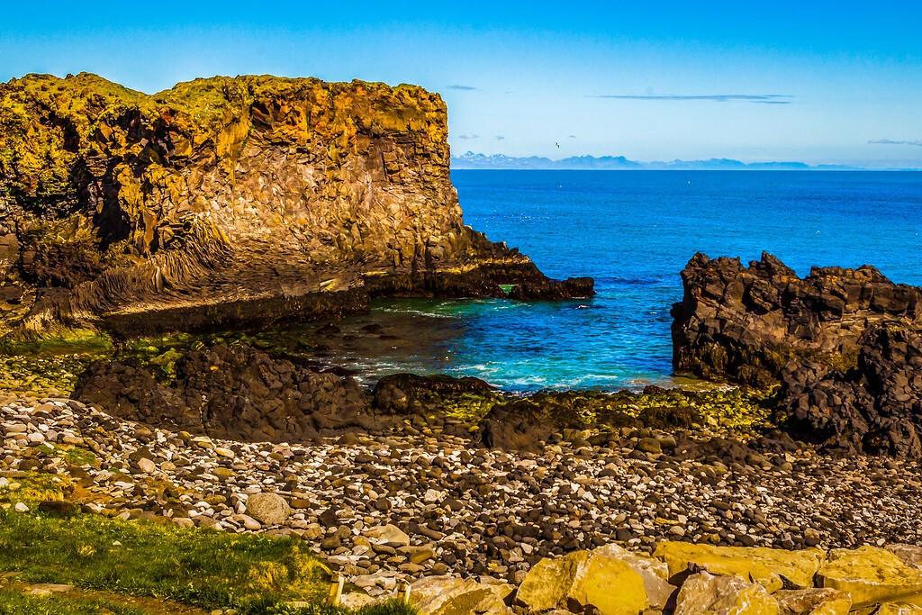 冰岛Arnarstapi,脚踏礁石_图1-17