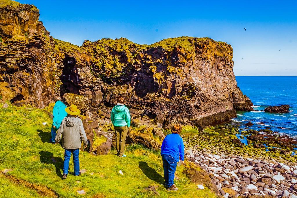 冰岛Arnarstapi,脚踏礁石_图1-22