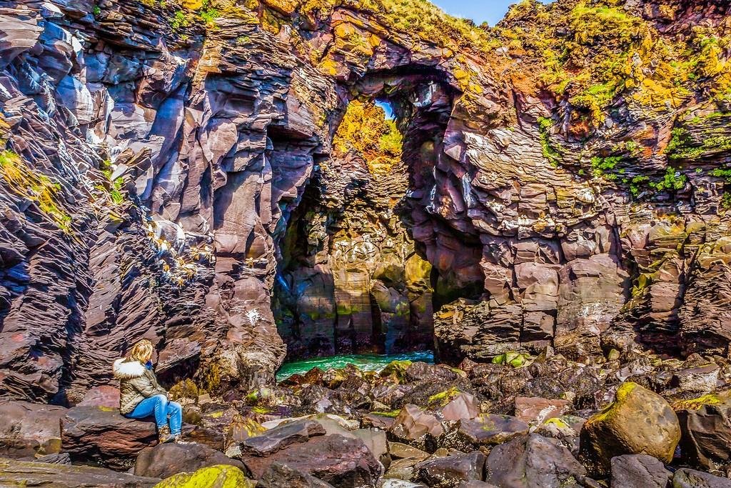 冰岛Arnarstapi,脚踏礁石_图1-21