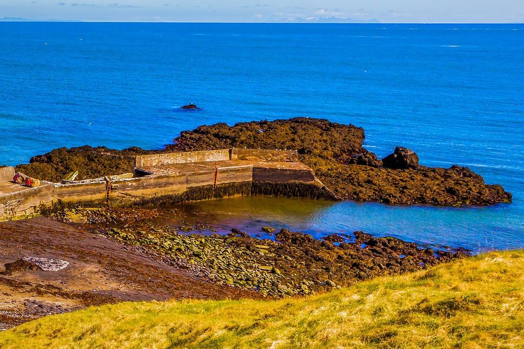 冰岛Arnarstapi,脚踏礁石_图1-36