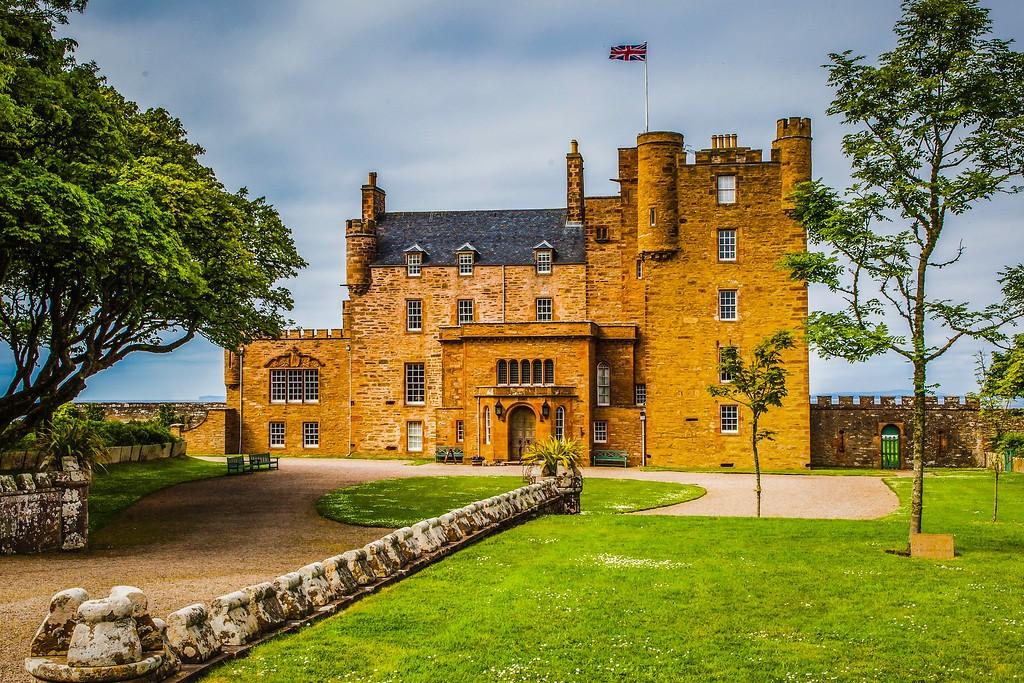 苏格兰梅城堡(Castle of Mey),远望英姿_图1-9