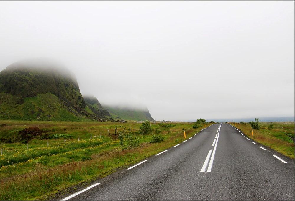 冰岛的两条瀑布与黑海滩_图1-2