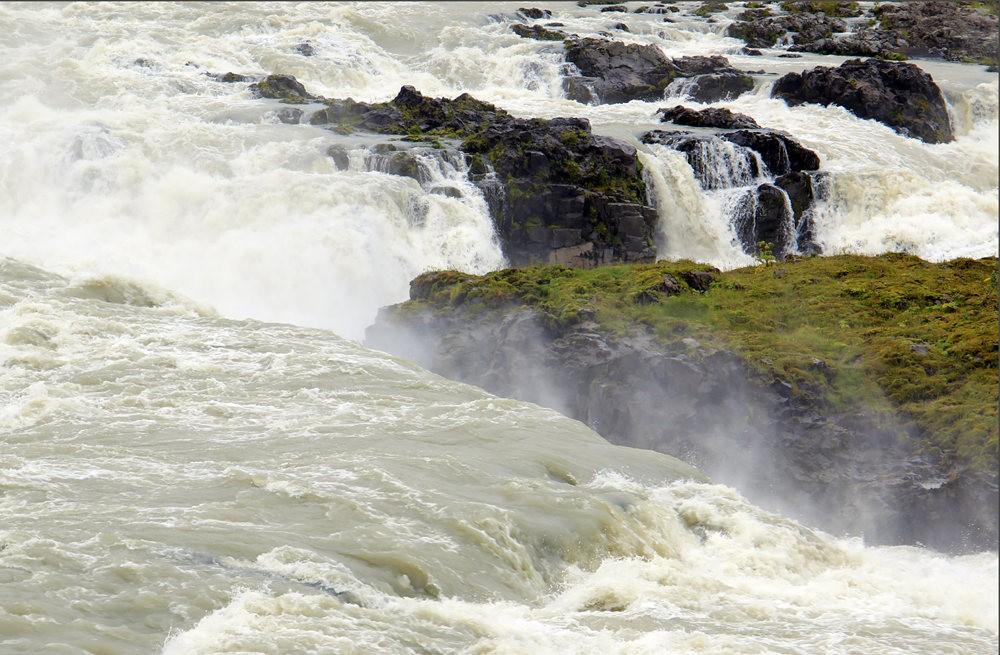 冰岛的两条瀑布与黑海滩_图1-3