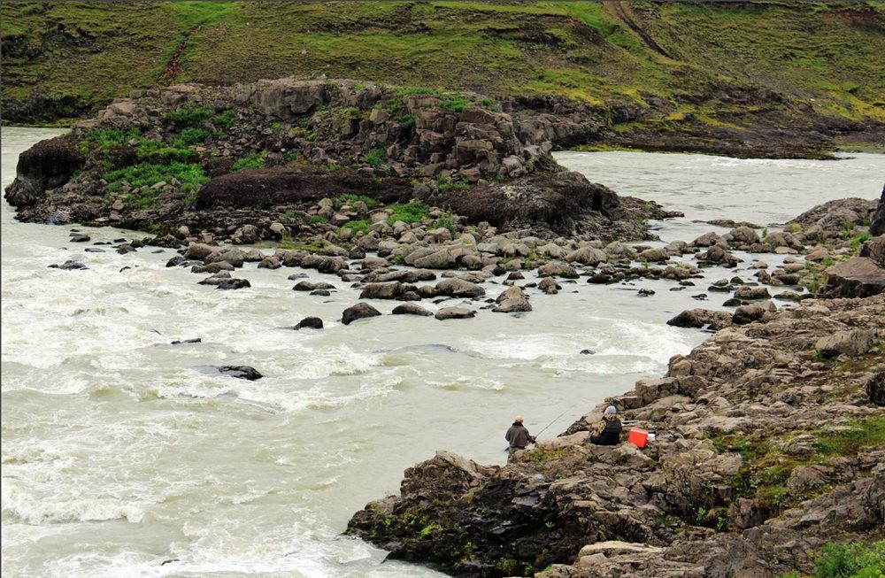 冰岛的两条瀑布与黑海滩_图1-4
