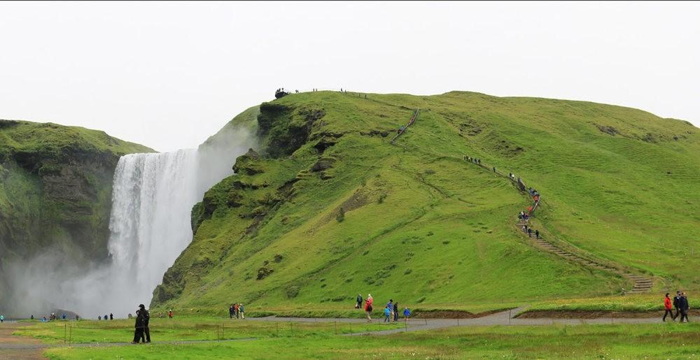 冰岛的两条瀑布与黑海滩_图1-19