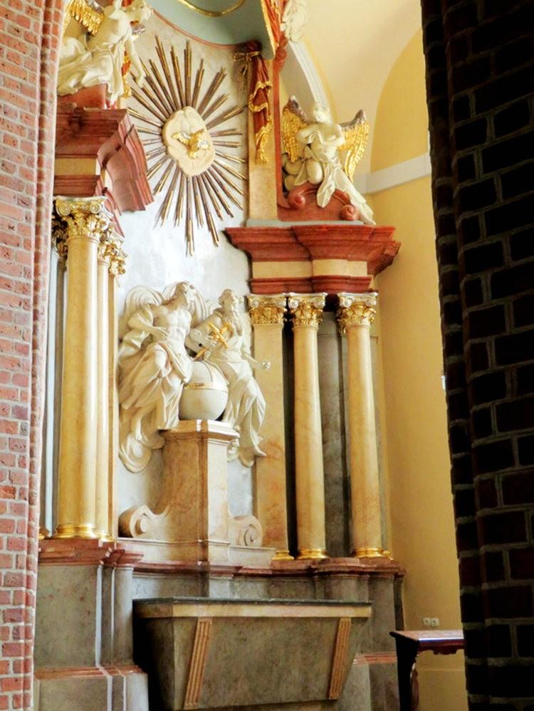 圣彼得和保罗大教堂_图1-12