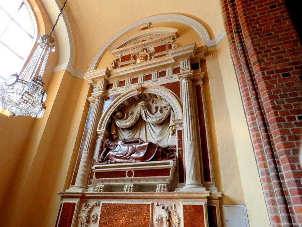 圣彼得和保罗大教堂_图1-23