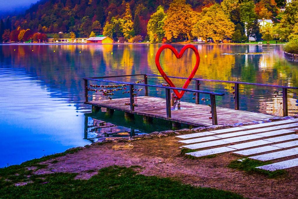 斯洛文尼亚布莱德湖(Lake Bled),迷人景色_图1-2