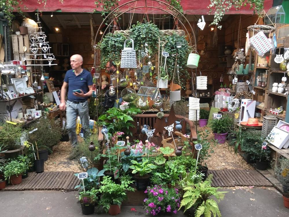 在巴黎见到的卖花市集_图1-18
