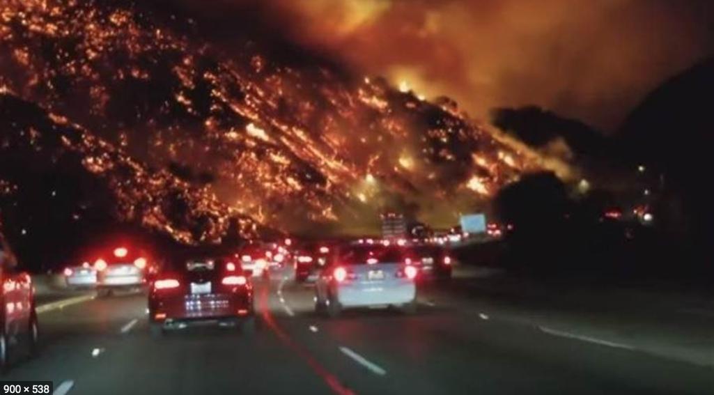 美国加州大火烧到自己的家门口来了_图1-3