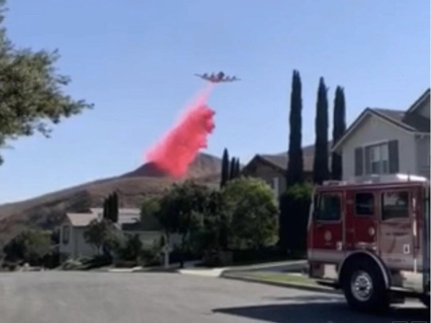 美国加州大火烧到自己的家门口来了_图1-6