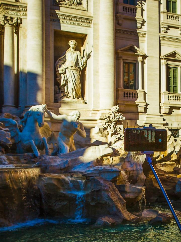 罗马特雷维喷泉(Trevi Fountain),闻名遐迩_图1-16
