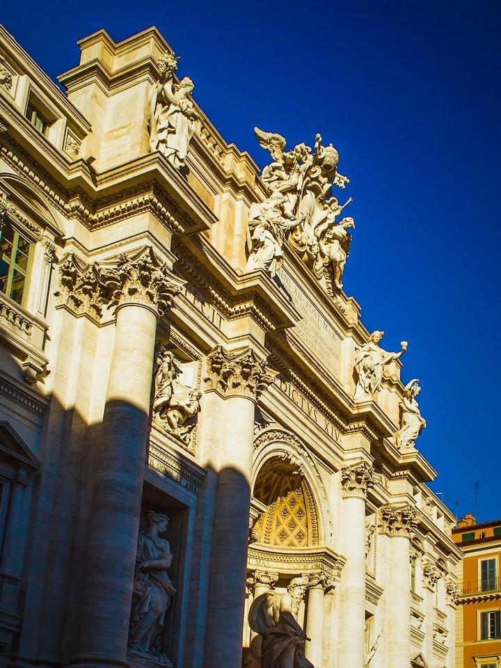 罗马特雷维喷泉(Trevi Fountain),闻名遐迩_图1-5